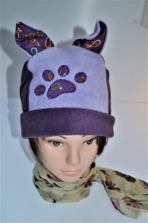 Fleece hat with ears and paw in lilac & purple