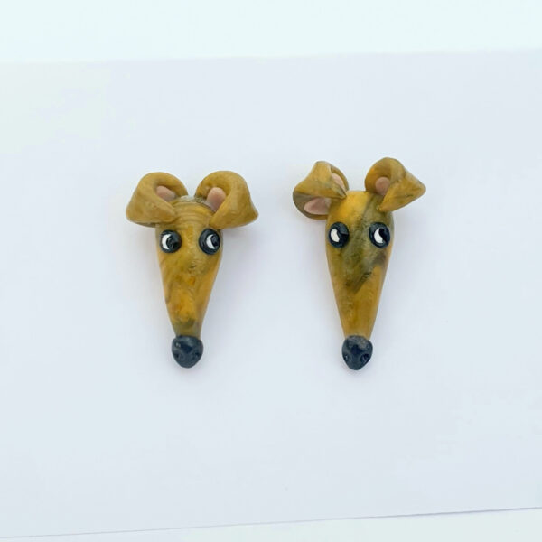 Greyhound ear rings gold, Pru
